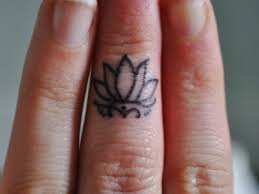 9 awesome tribal finger tattoos only tribal
