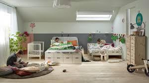 mur de couleur dans une chambre couleur mur chambre enfant