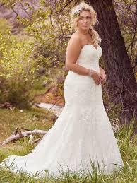 curvy wedding dresses flattering wedding dresses for curvy brides maggie