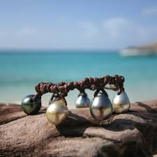 black pearl charm bracelet images Charm bracelet for women with leather and tahitian black pearls jpg