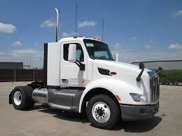 peterbilt trucks peterbilt shows off self driving truck overdrive owner