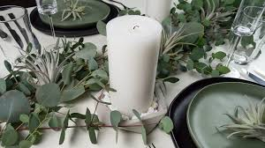 simple christmas table settings a simple holiday table setting for fall or winter