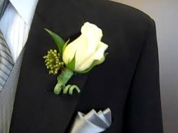 boutineer flowers proper boutonniere placement