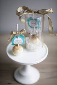 simple wedding favors cake pops wedding favors casadebormela