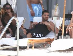 Drake No New Friends Meme - nosee rosee spotted drake chilling poolside in miami