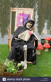 Halloween Decorations Uk Kingston London Uk 4th November 2015 A Skeleton On A Deck Chair