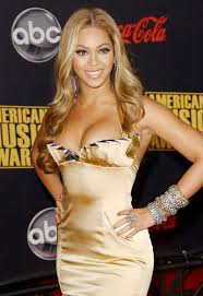 Beyonce Wedding Ring by Beyonce Knowles Shows Off Wedding Ring At Fashion Rocks U0027 Red Carpet