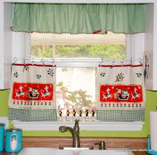 Vintage Green Curtains Diy Upcycled Vintage Tea Towel Christmas Curtains My So Called