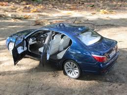 bmw e60 545 bmw e60 545i vfl modelcar customized 1 18 in mysticblaumetallik