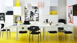 bureau coloré l espace de travail adaptable