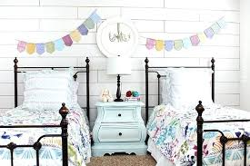 cottage master bedroom ideas cottage bedroom colors white plank wall girls bedroom small cottage
