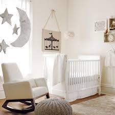 chambre enfant beige chambre enfant chambre bébé mixte blanc beige neutres chambre de