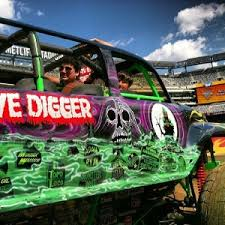 monster truck video for review monster jam path of destruction at met life stadium with