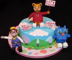 daniel tiger cake daniel tiger s neighborhood cake dolce ladybug