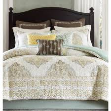What Is The Difference Between Comforter And Quilt Bedroom Quilt Comforters Queen Bed For Cool Bedroom Inspiration