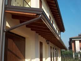 tettoia autoportante pensilina in legno autoportante con tegole dintorni di modena