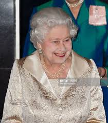 queen elizabeth ii attends gold service scholarship awards