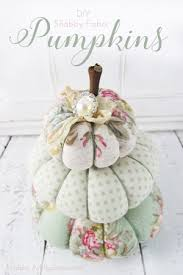 get the free tutorial to make these sweet fabric pumpkins from