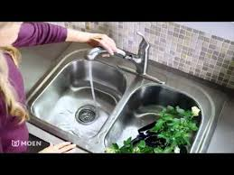 Moen Pullout Kitchen Faucet by Renzo Pullout Kitchen Faucet Moen Features Spotlight Youtube