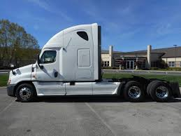 freightliner used trucks 2013 used freightliner cascadia at premier truck group serving