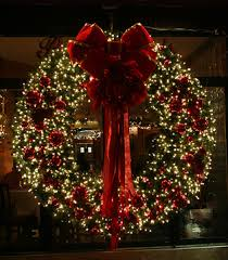 gorgeous wreath white lights and flowers wreath