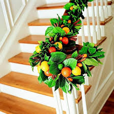 Christmas Garland Decorating Ideas by Decorate The Stairs For Christmas U2013 30 Beautiful Ideas