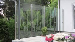 balkon sichtschutz aus glas edelstahl naturstein design berlin schönefeld windschutz