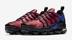 siege nike bright versions of the nike air vapormax plus for sole collector