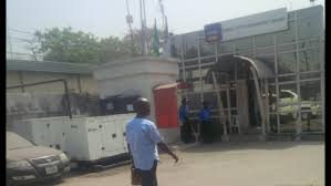 undercover reporter exposes corruption forgery customs cargo