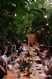 who sits at the head table during the wedding reception brides