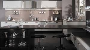 cuisine blanc noir univers cuisine noir blanc bois