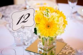 Wedding Flowers Table Three Diy Wedding Flower Centerpieces To Make