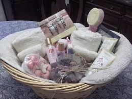 Wedding Guest Bathroom Basket Ally In Wedding Wonderland Bathroom Baskets For Guests What Am I