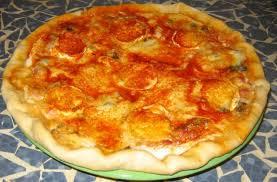 cuisiner une pizza aux 4 fromages