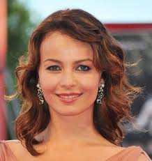 best haircuts for rectangular faces the best haircuts for oval shaped faces women hairstyles inside