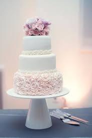 wedding cake mariage superbe wedding cake gâteau de mariage blanc et avec un