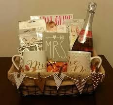 engagement gift basket adorable wedding engagement gifts 27 sheriffjimonline