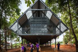 tour an earthquake resistant raised on stilts curbed