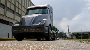 concept semi truck cummins new all electric semi truck beats tesla to the chase