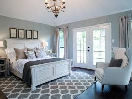 bedroom bedroom design ideas wool rug white walls dark hardwood