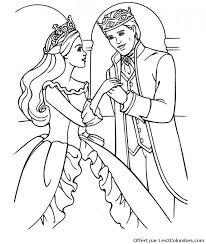 Coloriage Princesse Barbie amoureuse dessin gratuit à imprimer