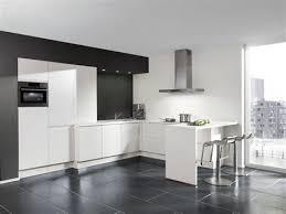 cuisine blanche sol noir faience pour cuisine blanche 10 modele faience salle de bain noir