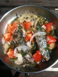 cuisiner les maquereaux craquez sans conséquence maquereaux à la poêle aux tomates et