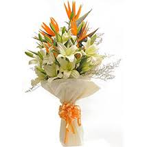 Bouquet Of Lilies Send Lilies Flowers To India Lily Flowers Arrangement Ferns N