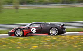 porsche 918 racing porsche 918 spyder first drive motor trend