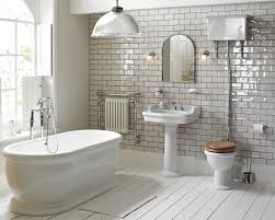 victoria traditional bathroom suite 3