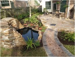 small city backyard ideas backyard landscaping fence
