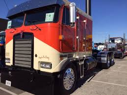 2017 kenworth cabover show trucks prep for competition at the mid america trucking show