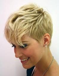 coupe de cheveux blond coiffure courte cheveux blond les dernieres tendances chez les