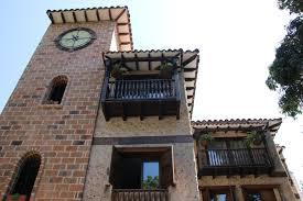maison en bois style americaine medellin que faire et que voir dans cette ville jeune de colombie